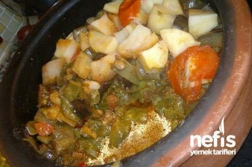 Güveçte Etli Türlü Yemeği Yapımı Ve Malzemeleri