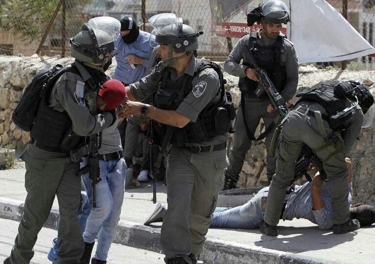 Filistinler israil kontrol Noktasından Müdahale