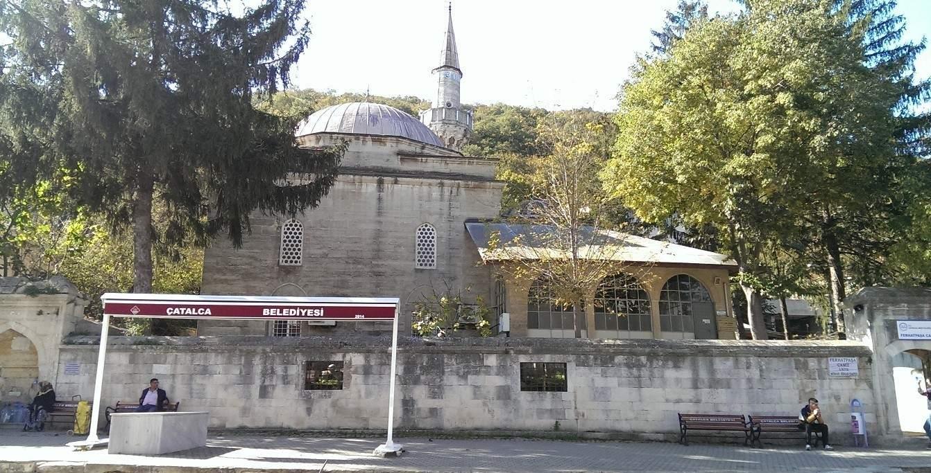 1575 yılında Ferhat Paşa tarafından Çatalca tepesinin eteğine Mimar Sinan'a yaptırılmıştır.