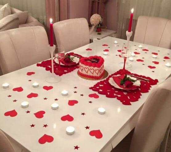 Sevgililer Gününe Özel romantik yemek masası fikirleri