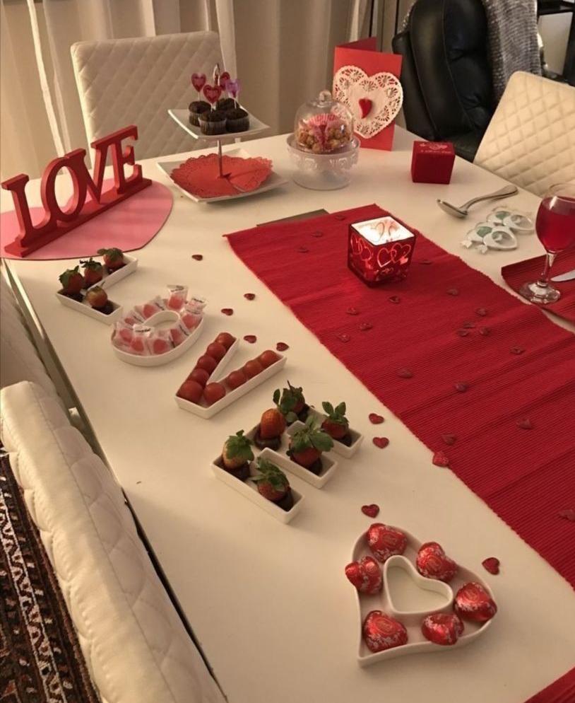 Sevgililer Gününe Özel romantik yemek masası fikir