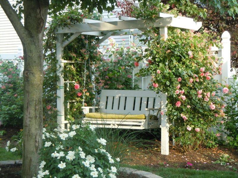 Ahşap bahçe salıncak fikirleri