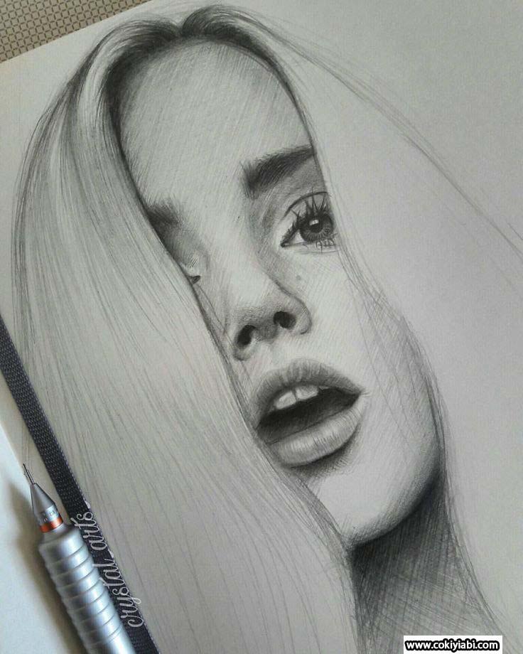 Karakalem Gerçekci Bayan Çizimleri